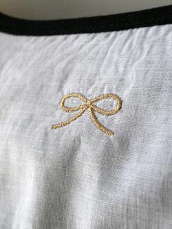 Encachette アンキャシェット リボン刺繍カーディガン
