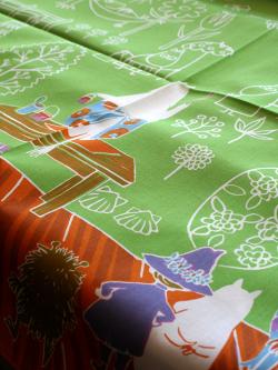 ムーミントリビュートワークス ムーミンハンカチ ママの壁紙 限定色グリーン