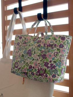 リバティプリント フローレットロンドン バッグインバッグ イメージ